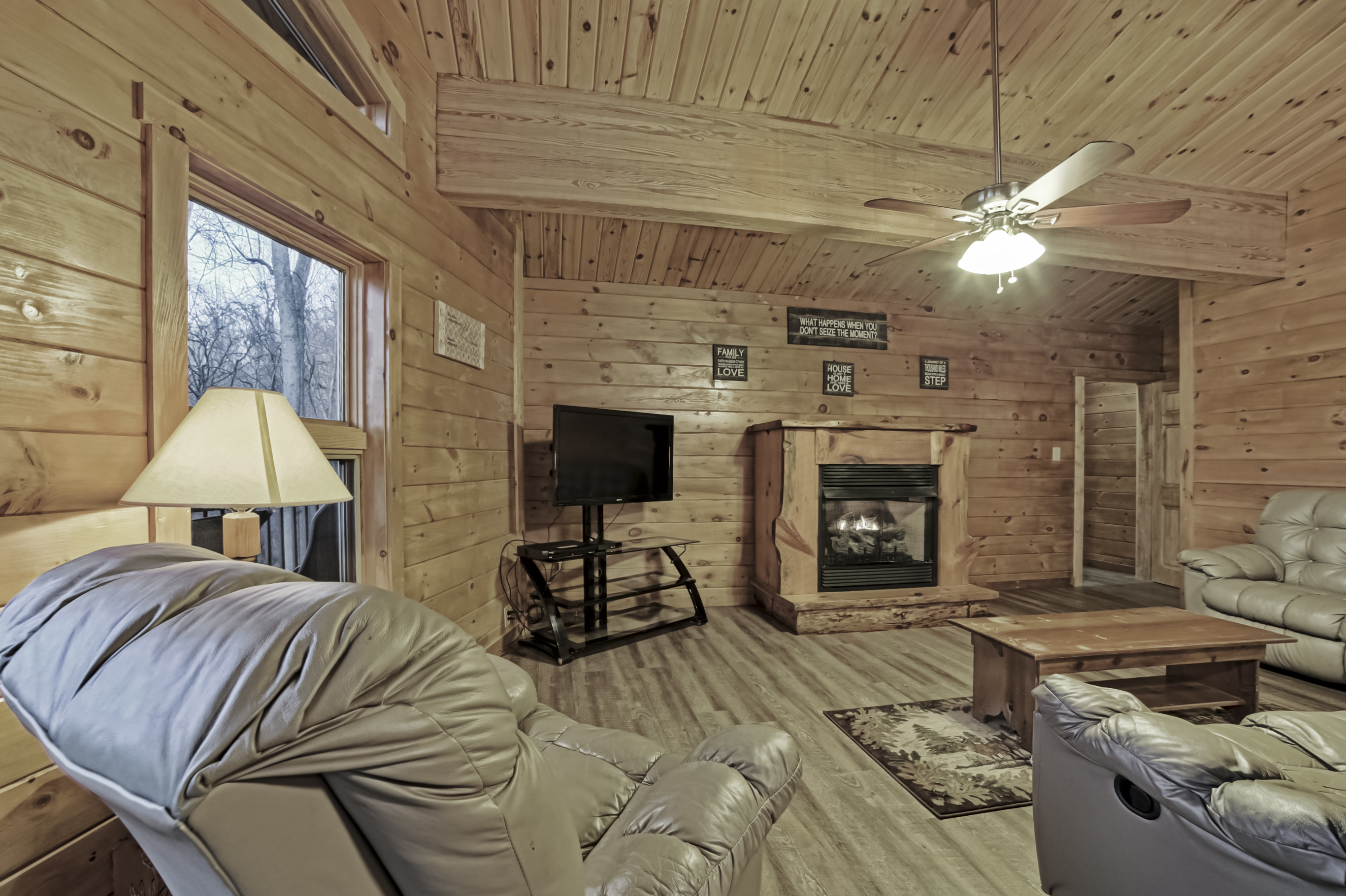 forrest georgia resort tree lodge hotel ga cabins suites topper dahlonega hills rentals north rooms at in